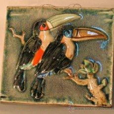 Vintage: AZULEJO DECORATIVO CON DOS TUCANES. MAJOLIKA - KARLSRUHE, ALEMANIA 1950-55.. Lote 12321130