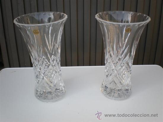 2 jarrones o floreros de cristal tallados y firmado vintage decoracin jarrones y