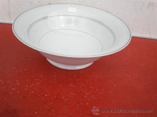 ENSALADERA DE PORCELANA FIRMADA (Vintage - Decoración - Porcelanas y Cerámicas)