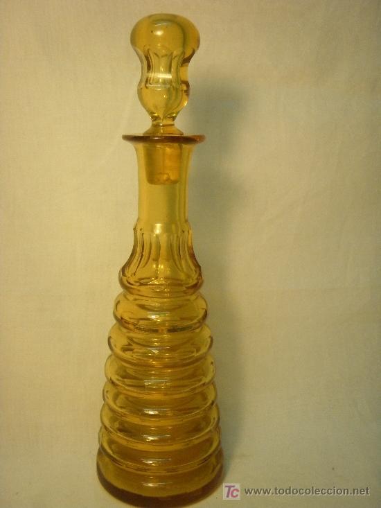BOTELLA ART DECO CRISTAL COLOR AMBAR FACETADO (Vintage - Decoración - Cristal y Vidrio)