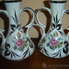Vintage: PAREJA DE JARRONES ESPECIALES POR SUS COLORES. Lote 27310314