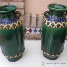 Vintage: PAREJA DE JARRONES ORIENTALES DE CERAMICA. Lote 21936611
