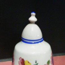 Vintage: TARRO / BOTE - PORCELANA - CON TAPA - DECORADA CON FLORES - AÑOS 70 - R - EPA . Lote 28633806