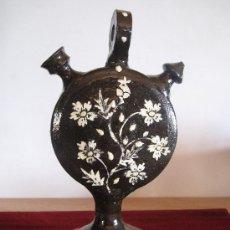 Vintage: BOTIJO DE CUERPO PLANO, EN CERAMICA VIDRIADA DE EXTINTO ALFAR EN CUERVA ( TOLEDO ). Lote 30750532