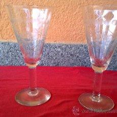 Vintage: ANTIGUAS 2 COPAS DE CAVA, TALLADAS. Lote 31347651
