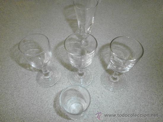 5 VASOS CHUPITOS LABRADOS ANTIGUOS (Vintage - Decoración - Cristal y Vidrio)