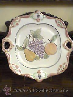 FUENTE DE CERAMICA PORTUGUESA PINTADA A MANO.FIRMADA (Vintage - Decoración - Porcelanas y Cerámicas)