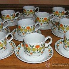 Vintage: PRECIOSO JUEGO DE 10 TAZAS DE CAFÉ VINTAGE PORCELANA DÉCADA DE LOS 70 MARCA EN LA BASE PORZELANIT. Lote 34001062