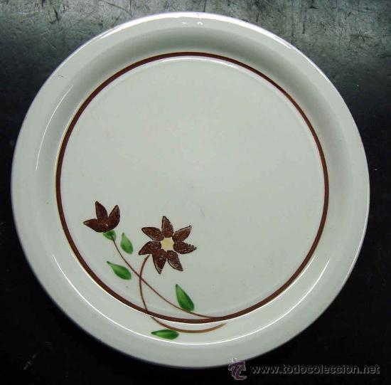 PLATO CERAMICA O PORCELANA GIL VARGAS, SEGOVIA, 20 CM. - DECORADO A MANO (Vintage - Decoración - Porcelanas y Cerámicas)