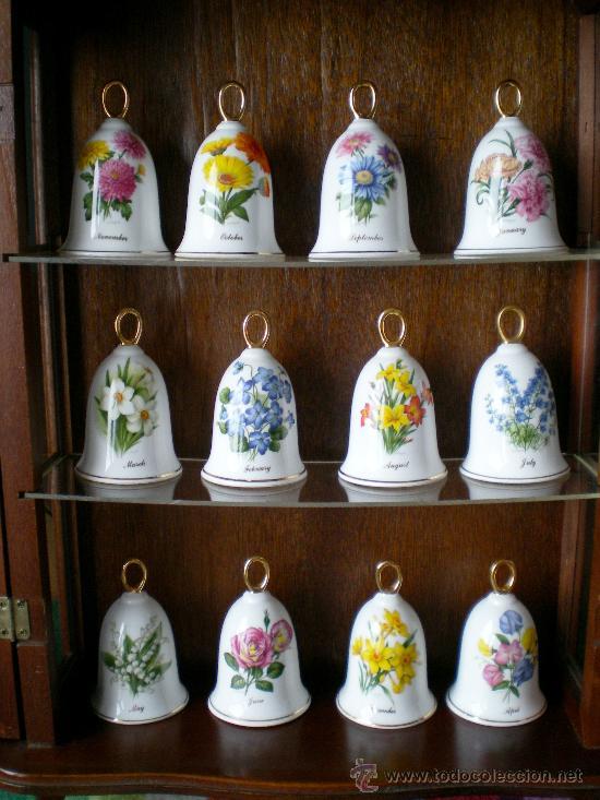 Vintage: Colección campanas de porcelana en vitrina expositor, vintage. - Foto 2 - 37603235