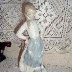 Vintage: PRECIOSA FIGURA DE PORCELANA O CERAMICA. Lote 39046670