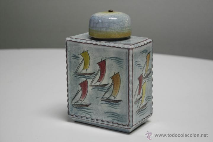 TARRO CERÁMICO VINTAGE, BARCOS DE VELA. SELLO EN BASE. ALTURA: 14 CMS. (Vintage - Decoración - Porcelanas y Cerámicas)