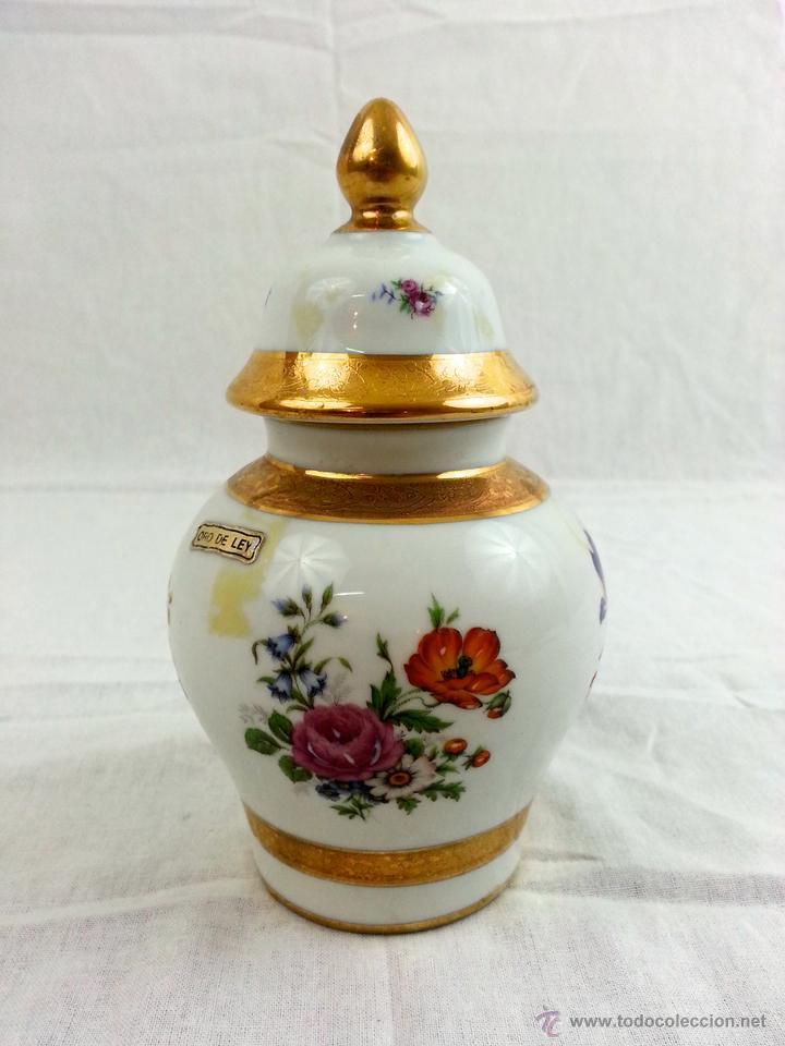 Vintage: Tibor de porcelana con decoraciones en oro - Foto 2 - 39620685
