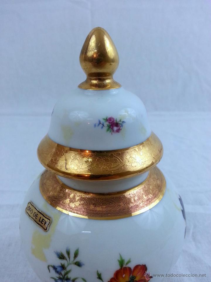 Vintage: Tibor de porcelana con decoraciones en oro - Foto 3 - 39620685