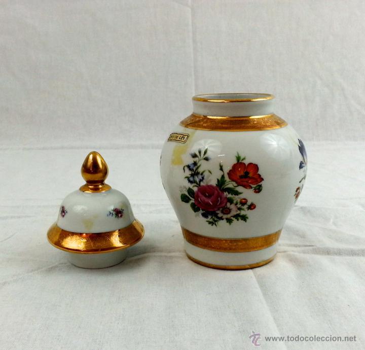 Vintage: Tibor de porcelana con decoraciones en oro - Foto 7 - 39620685