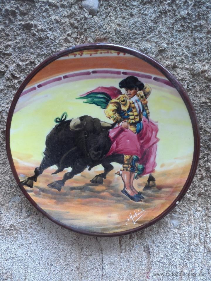 PLATO CERAMICA TORERO TOREADOR PLATO FIRMADO (Vintage - Decoración - Porcelanas y Cerámicas)