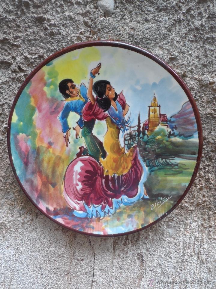 PLATO CERAMICA FIRMADO BAILE FLAMENCO (Vintage - Decoración - Porcelanas y Cerámicas)