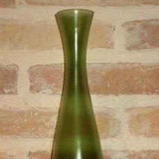 Vintage: ANTIGUO JARRON, BOTELLA O BUCARO DE CRISTAL GLASEADO EN COLOR VERDE.. Lote 41010804