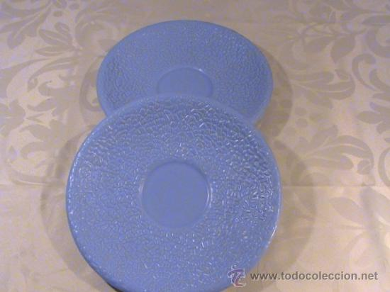DOS PLATOS AZULES DE PORCELANA VISTA ALEGRE (PORTUGAL) (Vintage - Decoración - Porcelanas y Cerámicas)