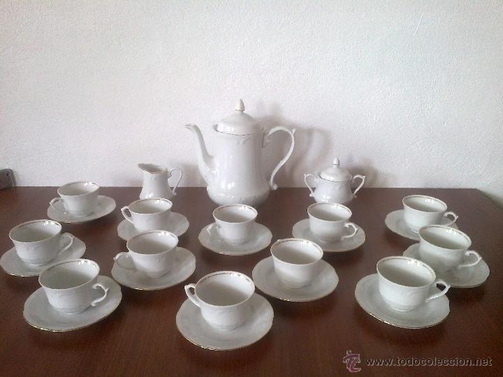 JUEGO CAFE 12 SERVICIOS Y JUEGO CONSOME 6 SERVICIOS. SELLO POLONIA (Vintage - Decoración - Porcelanas y Cerámicas)