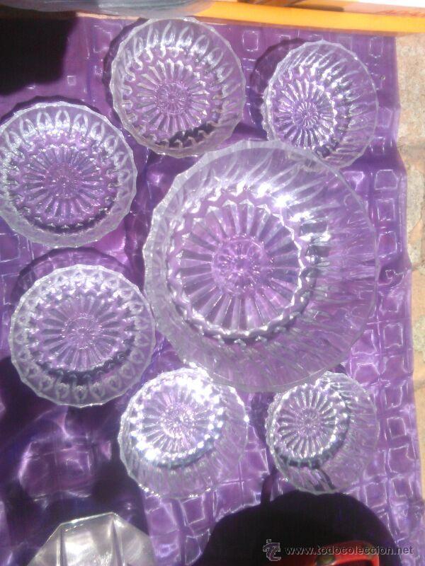 LOTE DE 6 CUENCOS Y 1 ENSALADERA DE CRISTAL TALLADO. (Vintage - Decoración - Cristal y Vidrio)