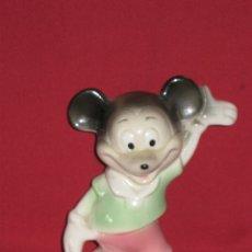 Vintage: FIGURA PORCELANA MICKEY MOUSE WALT DISNEY PRODUCTION, MADE IN SPAIN - AÑOS 60 PINTADA A MANO. Lote 45138686