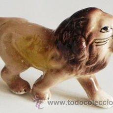 Vintage: FIGURITA LEÓN DE PORCELANA - PEQUEÑO MUÑECO - DECORACIÓN - ¿ RETRO ? ¿ VINTAGE ? ¿ ANTIGUO ?- ANIMAL. Lote 45141418
