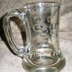 Vintage: JARRA DE CERVEZA CON ASA DE CRISTAL GRUESO TALLADO. Lote 45550428