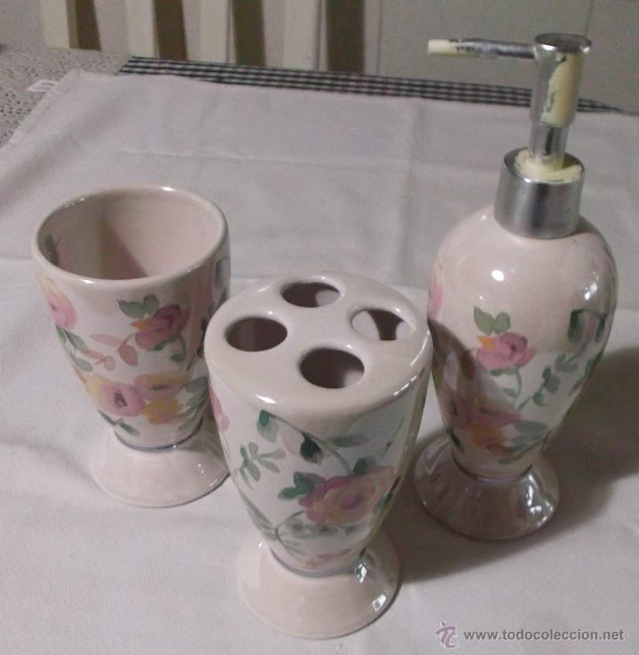 Juego de ceramica para ba o pintado con flores comprar for Juego de accesorios para bano de ceramica