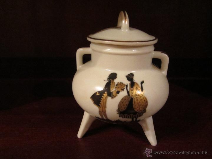 Vintage: Juego de Miniaturas de porcelana Capeans. - Foto 3 - 46032470