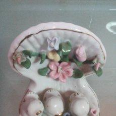 Vintage: TRES PAJARITOS DENTRO DE UNA CONCHA. Lote 46684353