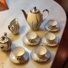 Vintage: FANTASTICO JUEGO DE TE O CAFE DE PORCELANA CON APLICACIONES DE PLATA, AÑOS 40-50. Lote 47293321
