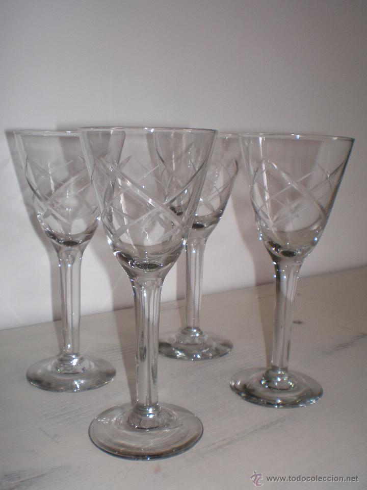 JUEGO 4 COPAS LICOR ALTAS TALLADAS VINTAGE (Vintage - Decoración - Cristal y Vidrio)