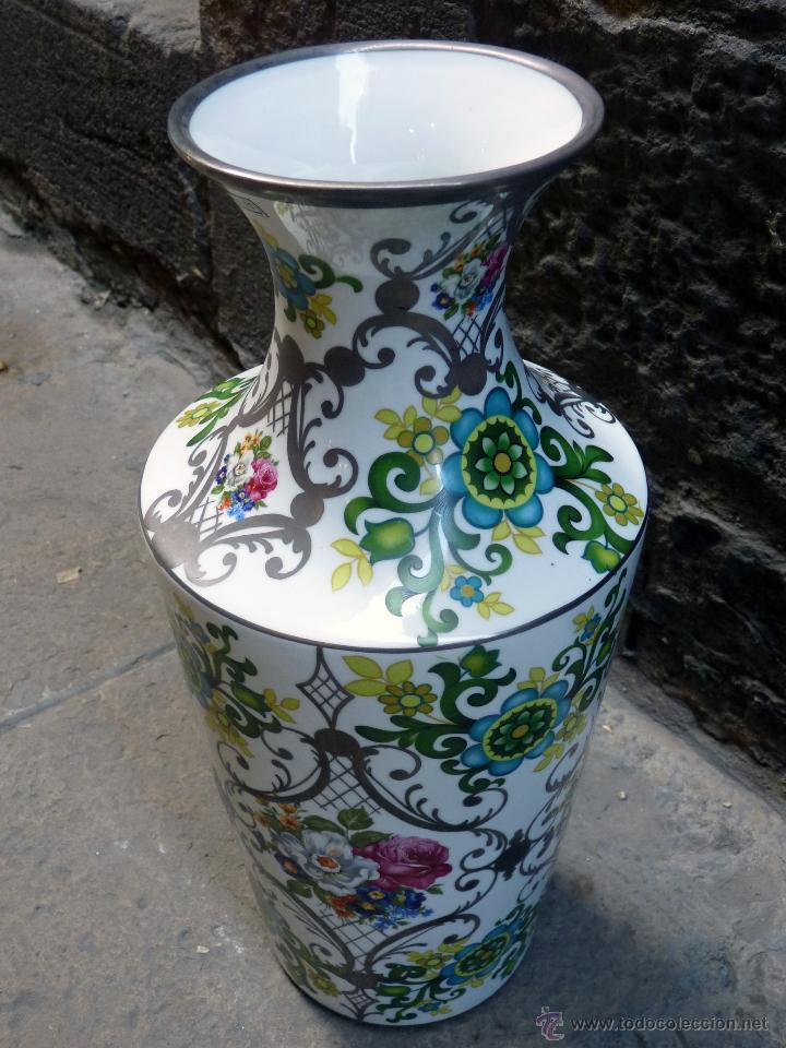 vintage jarrn grande de porcelana bohemia jn barcelona foto