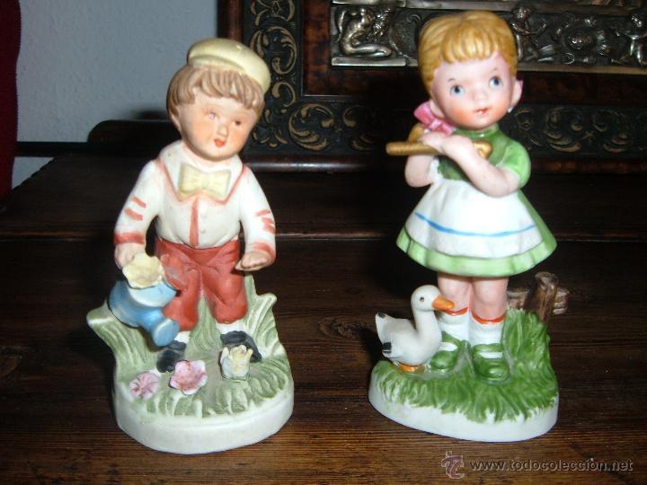 PAREJA DE FIGURAS EN BISCUIT (Vintage - Decoración - Porcelanas y Cerámicas)