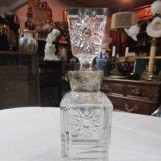 Vintage: BOTELLA LICORERA DE CRISTAL TALLADO, CON BOCA DE PLATA. 30 CMS. ALTURA.. Lote 48935788