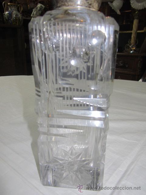 Vintage: Botella licorera de cristal tallado, con boca de plata. 30 cms. altura. - Foto 6 - 48935788