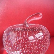 Vintage: PISAPAPELES.MANZANA DE CRISTAL.VINTAGE.. Lote 50110128