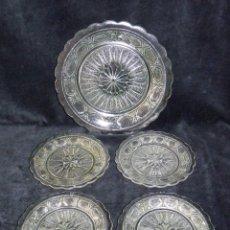Vintage: ANTIGUO JUEGO 4 + 1 PLATOS CRISTAL PRENSADO PARA GALLETAS O PASTAS. AÑOS 50. Lote 50268942