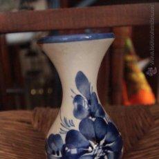 Vintage - FLORERO CERÁMICA AZUL Y BLANCO - 50272461