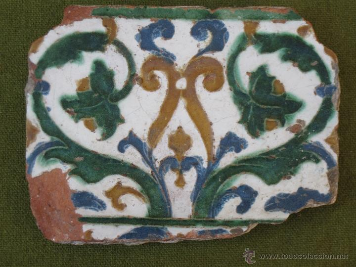 AZULEJO ANTIGUO DE TOLEDO. TECNICA DE ARISTA - RENACIMIENTO - SIGLO XVI. (Vintage - Decoración - Porcelanas y Cerámicas)