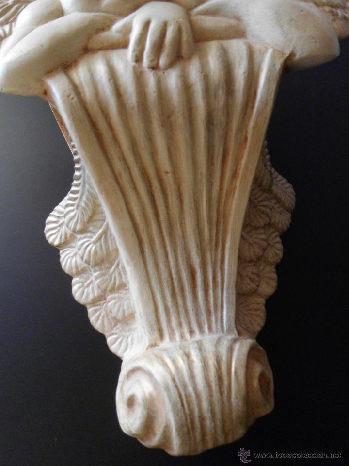 Vintage: Ménsula o peana de cerámica con pareja de amorcillos - Foto 6 - 236839030