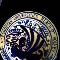 Vintage: PLATO DE CERAMICA DEL 4 TH. EUROPEAN UNIVERSITIES BEACH VOLLEY. Lote 51961209