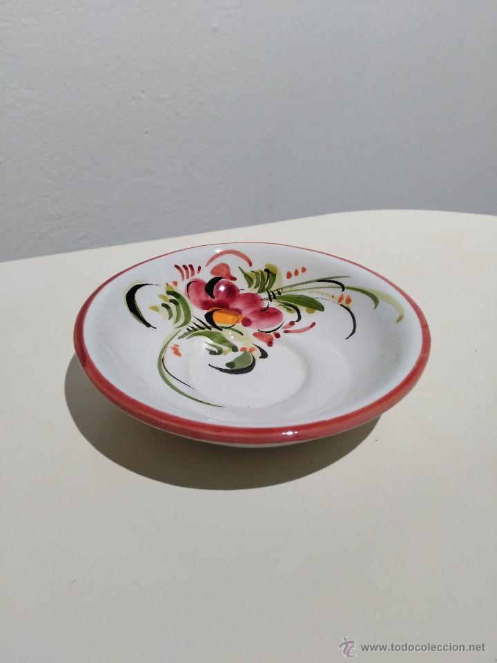 PEQUEÑO PLATO O CUENCO DECORATIVO. PINTADO A MANO. FLORES (Vintage - Decoración - Porcelanas y Cerámicas)