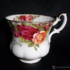 Vintage: TAZA CAFE DE PORCELANA INGLESA OLD COUNTRY ROSES ROYAL ALBERT BONE CHINA ENGLAND. Lote 111129618