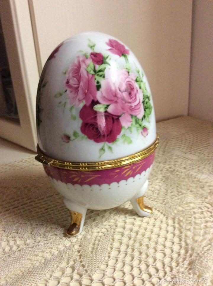 Vintage: Caja de porcelana austríaca en forma de huevo 14x10 cm - Foto 3 - 56152574