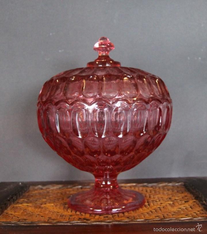 ANTIGUA BOMBONERA DE CRISTAL DE COLOR TALLADO 2189 GR DE PESO ALTURA 23 CM (Vintage - Decoración - Cristal y Vidrio)