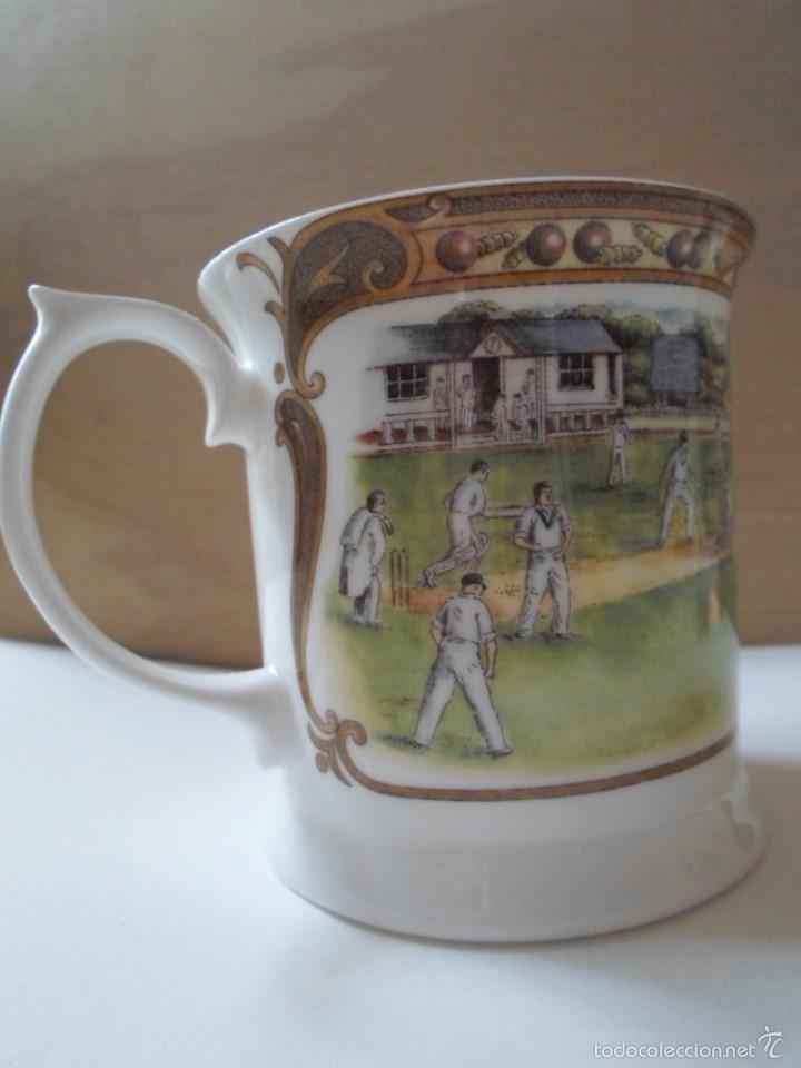 Usado, JARRITA DE PORCELANA CHINA DEDICADA AL CRICKET - QUEEN´S - UK segunda mano