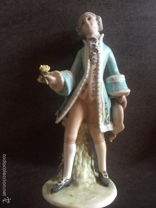 FIGURA DE CABALLERO -- CERAMICA (Vintage - Decoración - Porcelanas y Cerámicas)