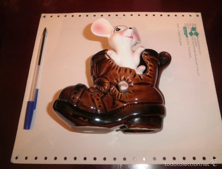 Vintage: Decoración vintage. Figura de porcelana, Hucha ratón en bota, EIHO (Japón). Buen estado, años 70 - Foto 7 - 202038241